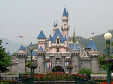 Disneyland Hong Kong to close again due to COVID-19 restrict…